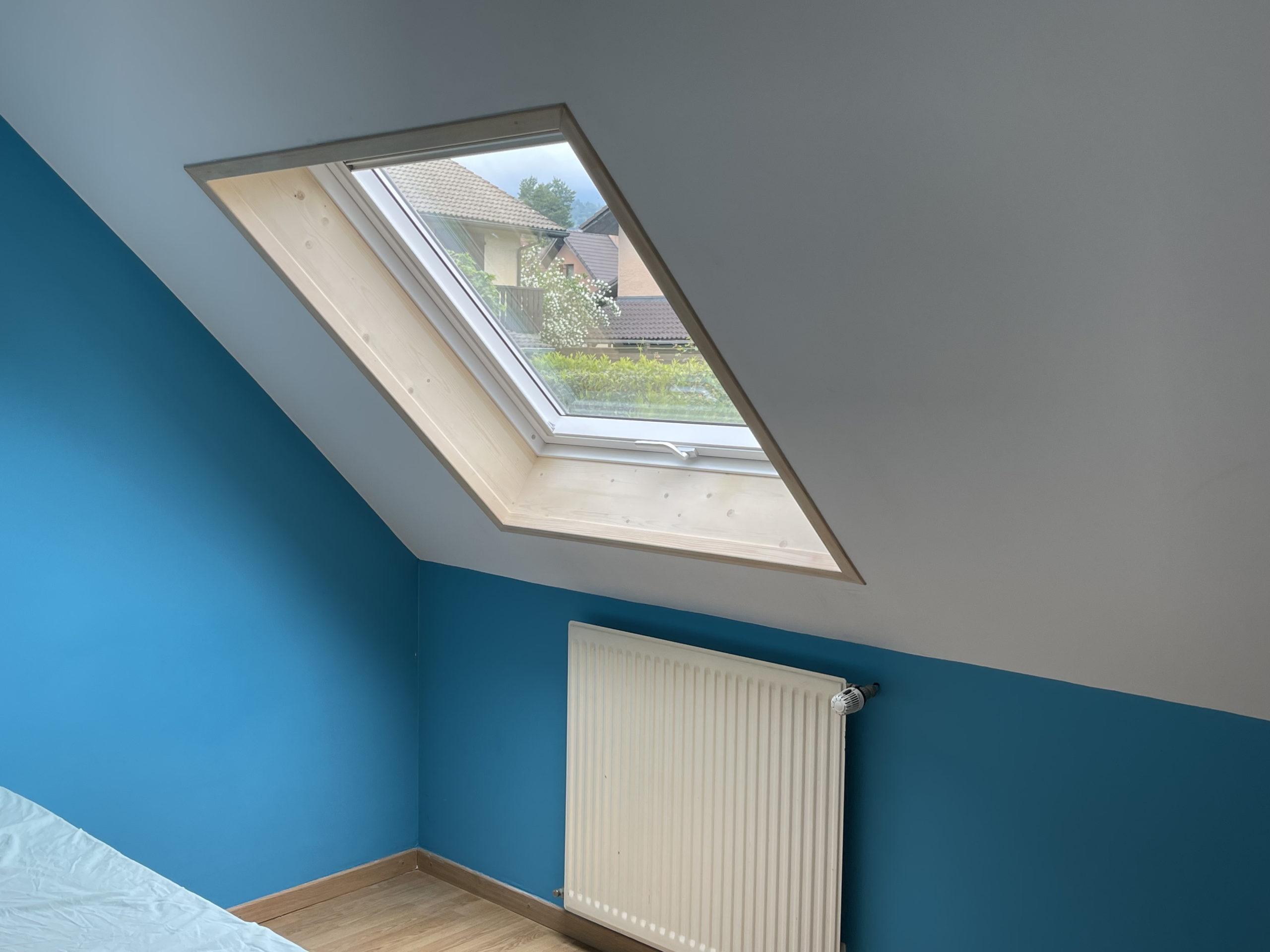 Installation de trois fenêtres de toit VELUX à Cranves-Sales