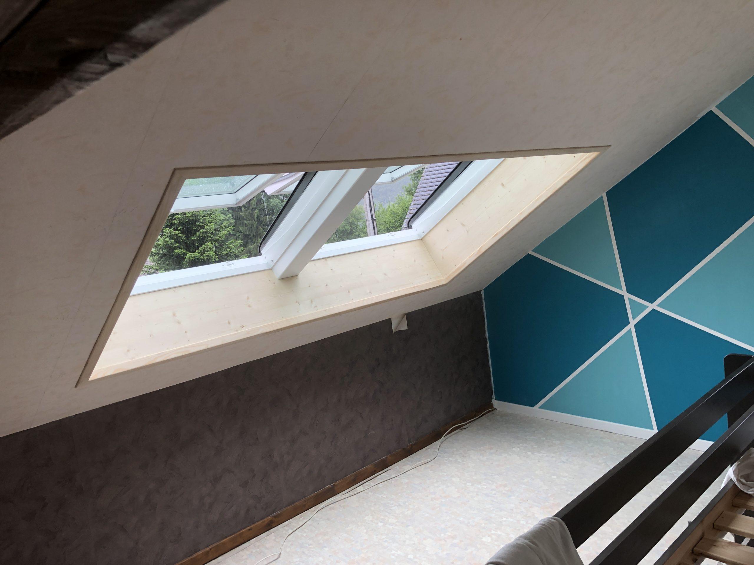 Création et installation d'une double fenêtre de toit VELUX à La Biolle