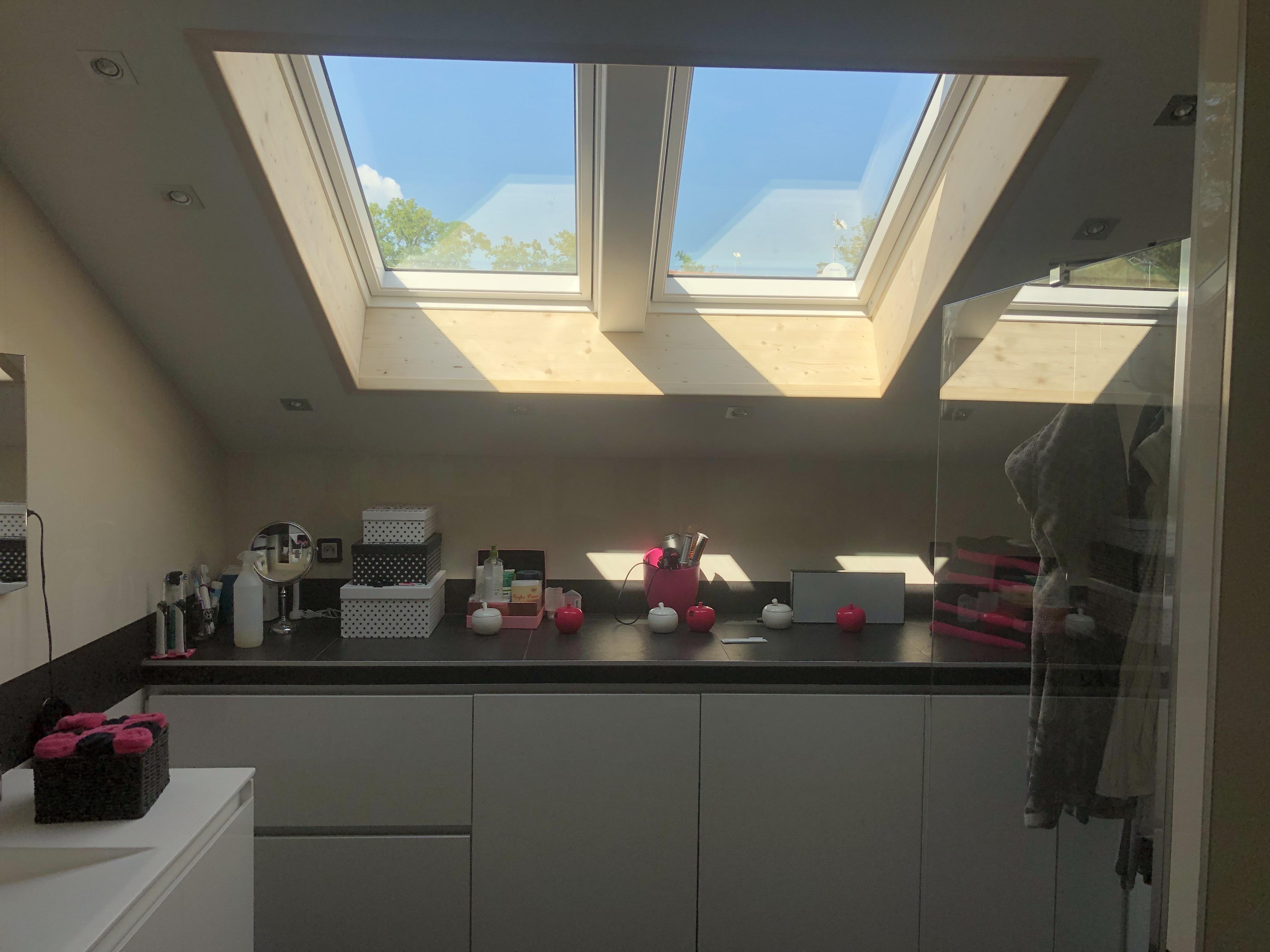 Création d'une double fenêtre de toit VELUX à Thoiry
