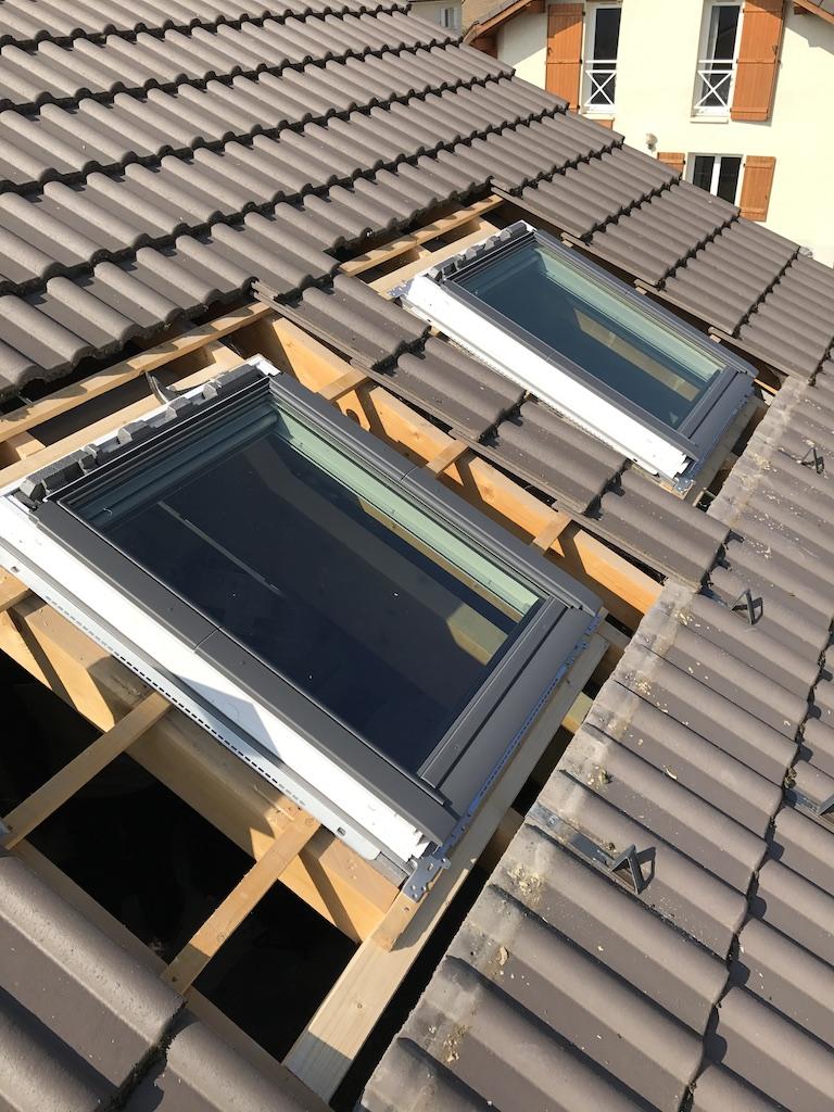 Pose de 2 fenêtres de toit VELUX à Thonon Les Bains, en Haute-Savoie