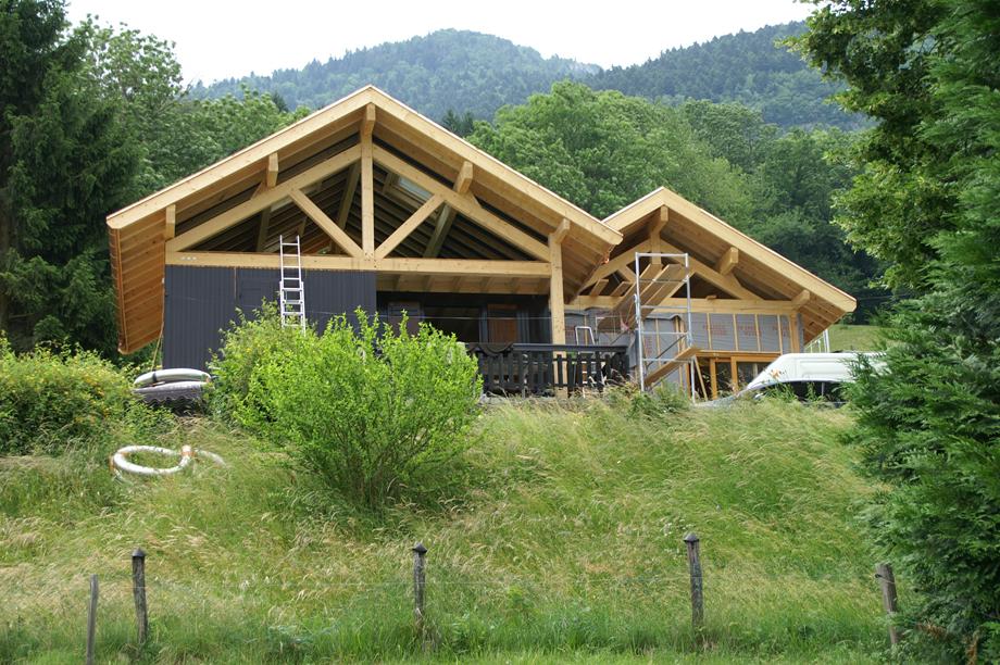 remplacement de la charpente du bâtiment principal et extension de l'habitation